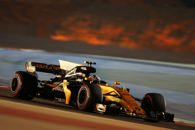 Jolyon Palmer (GBR) Renault Sport F1 Team RS17. Bahrain Grand Prix